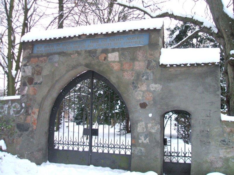 tempelhof_kirche_00